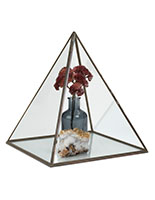 Small glass pyramid with 9 x 10 x 9 display space