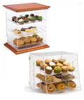 Use these model display cases to exhibit diecast model cars or a scale model of a ship.