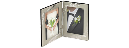 Silver finish double picture frame with hinge