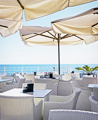 Umbrellas for Outdoor Restaurant Seating