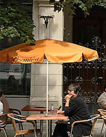 These restaurant umbrellas can also be used for bars, bistros or beach dining.