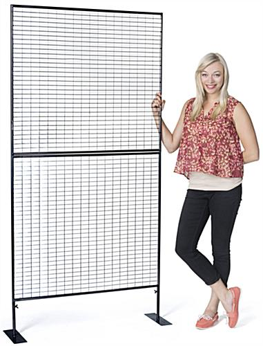 Portable 3-sided wire grid art display rack
