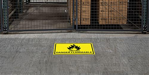 Flammable industrial danger sign with concise, easy to read text