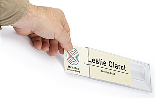 cubicle name plate with easily swappable tags