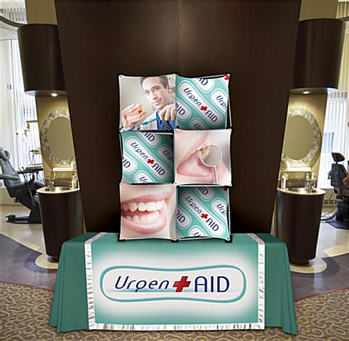 Pop up tradeshow display with vertical or horizontal placement