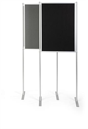 Single freestanding folding portable backdrop panels