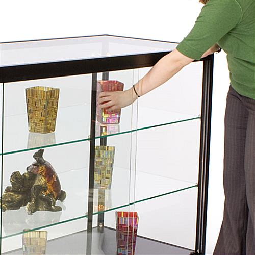 Glass Counter: Tempered Glass Display Case