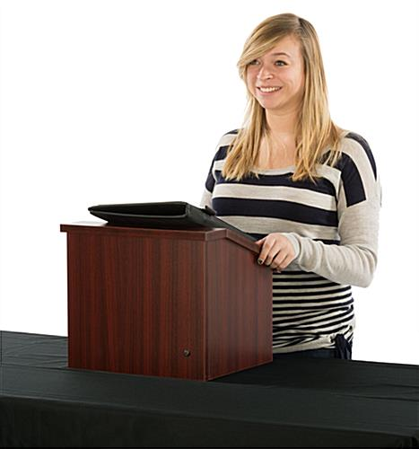 Collapsible Countertop Podium has Lip for Securing Presentation Notes