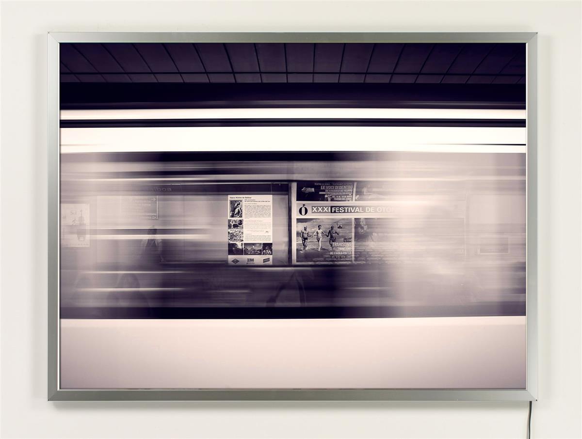 Window Hanging Light Box 22 X 28 Silver Snap Frame