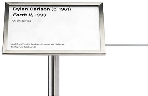 Landscape-oriented museum barrier label holder