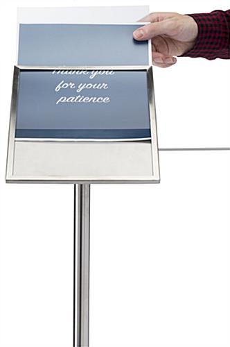 Stanchion angled gallery sign holder cap with slide-in insert slot