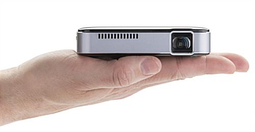 Pico projector ultra portable with 2 hour battery life