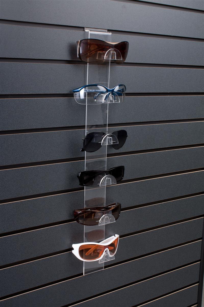 Features (6) Eyewear Slots