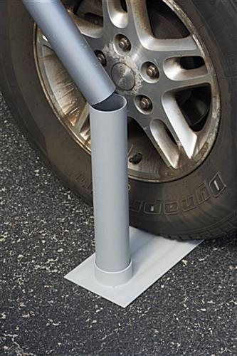 Portable Flag Pole with Tailgater's Tire Mount