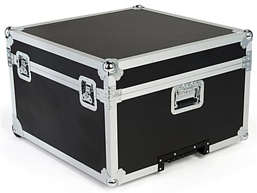 Trade show floor tile carrying case with lid closed