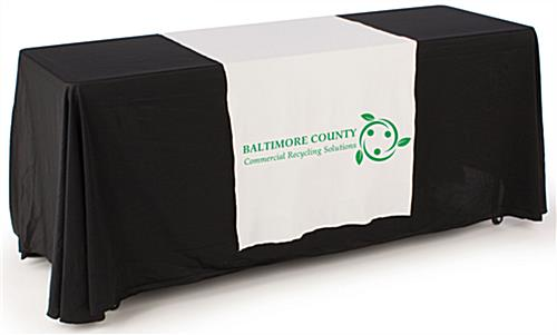 Banner and tabletop trade show package with white runner