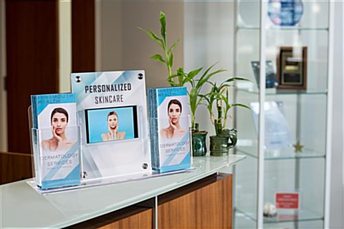 Customizable counter brochure display with multimedia sign