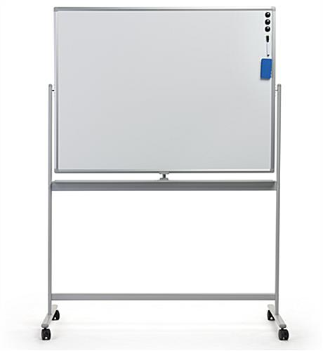Compact rolling whiteboard