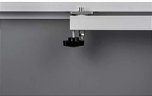 Swivel poster frame with tigtening arm