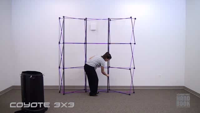 <p> This video illustrates exactly how to go about setting up your TEPUG pop up trade show display. With an included transport cases, an expandable frame, and custom graphic panels, you can't go wrong with this portable backdrop. Watch as one person assembles the pop up display with ease!</p>